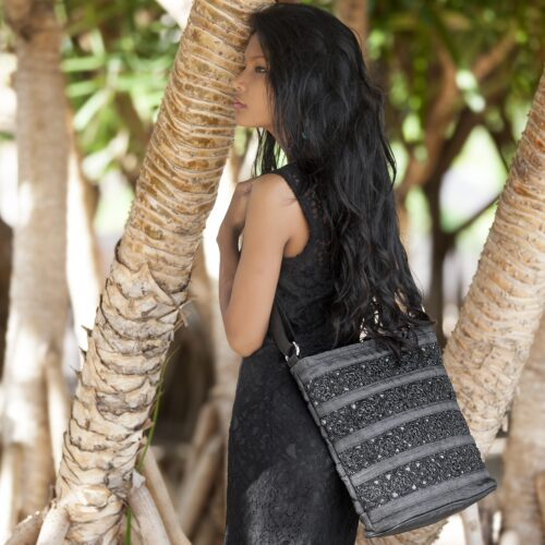 Square - Eco-friendly Hand-crocheted Shoulder Bag - Large - Charcoal