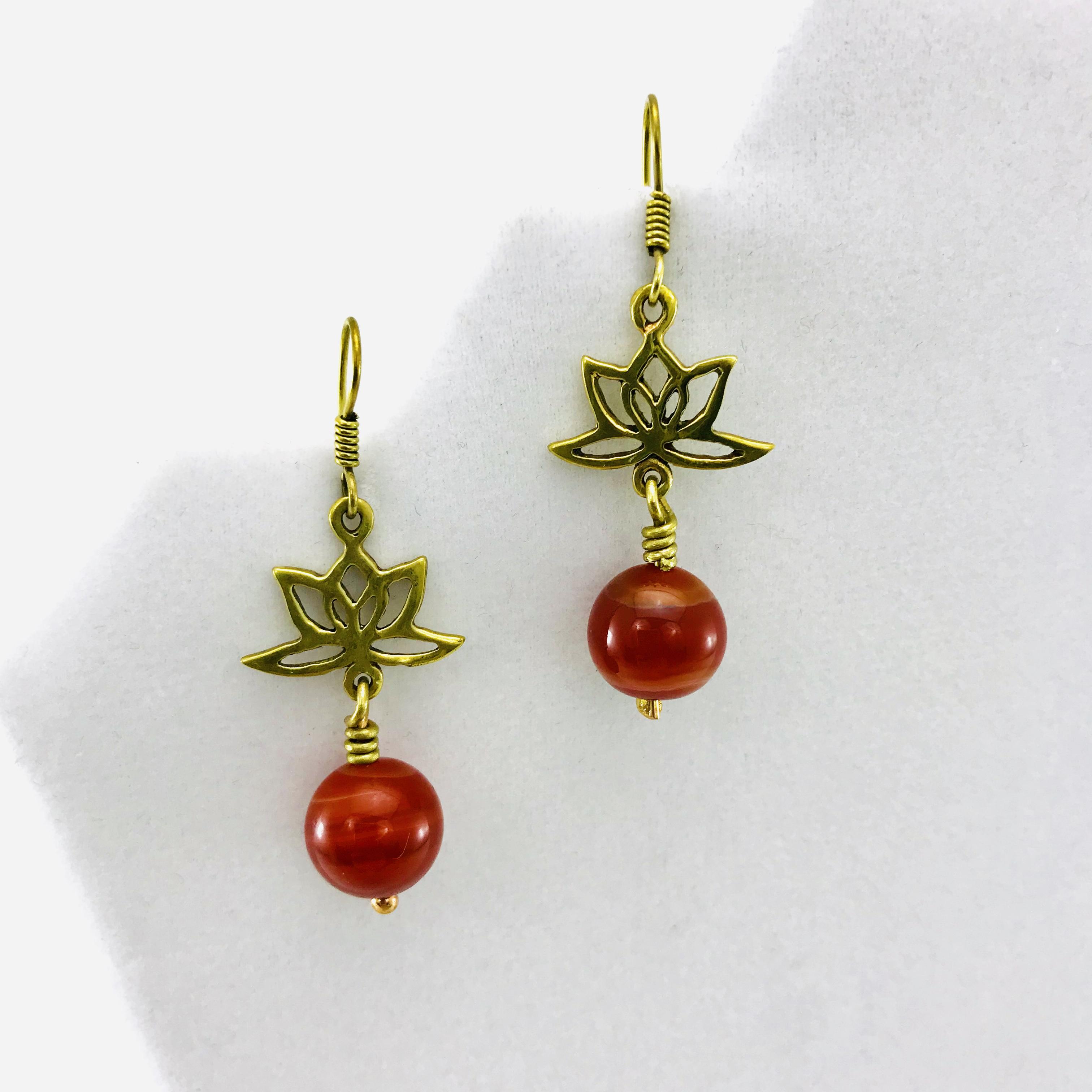Les Boucles D'oreilles - Lotus Design Et Pierre - Agate Rouge