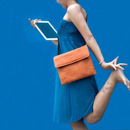 Flat – Black Padded Sleeve For Tablet – Smateria