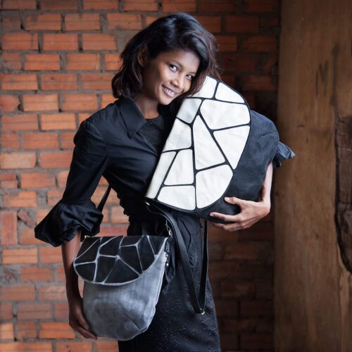 Stone – Eco-friendly Leather Shoulder Bag