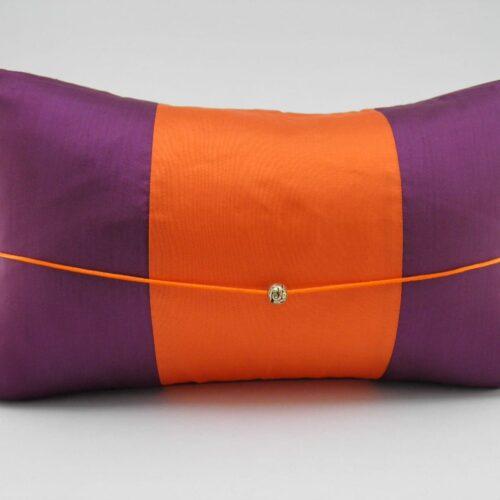 Coussin Soie – Précieux – Aubergine / Orange – 45x27cm