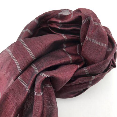Burgundy Scarf – Silver Stripes – Essential - Detail