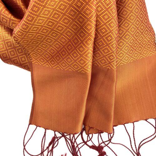 Lboeuk Scarf – Orange - Detail