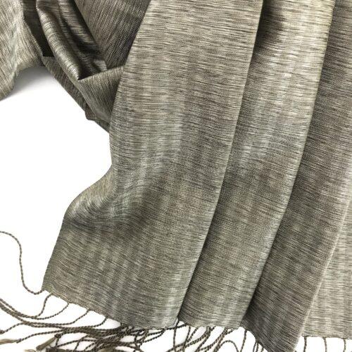 Elegant – Silk Shawl – Greige - Detail